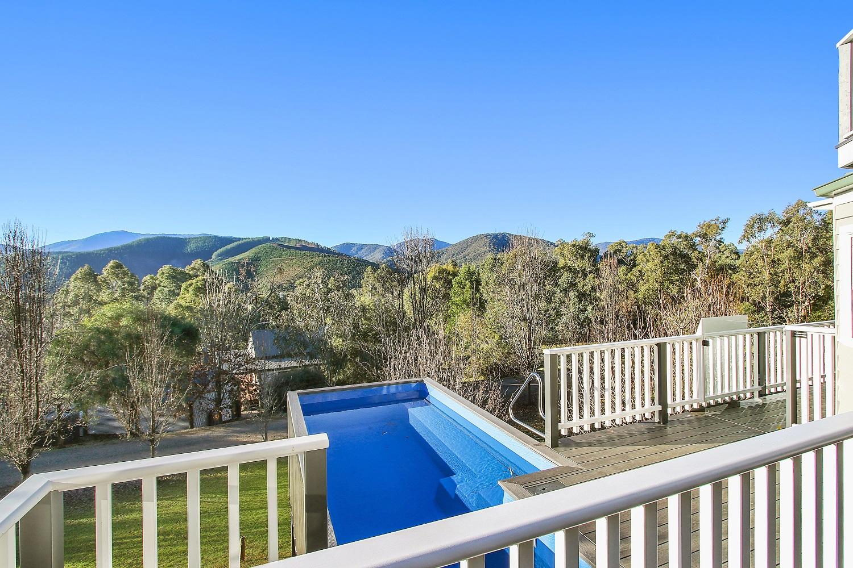 big-sky-ridgeview-outdoor-pool-3