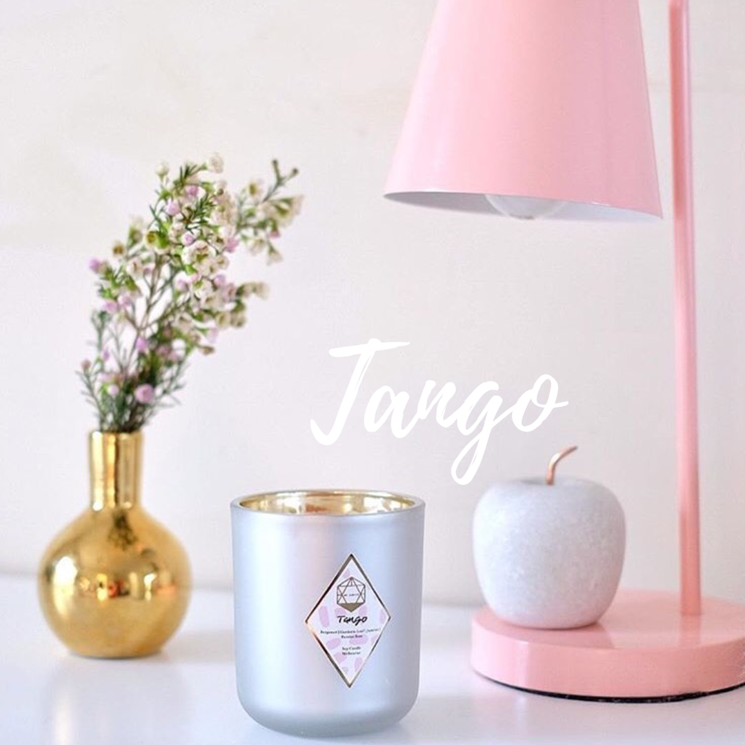 Tango: The vivacious notes of bergamot and Gardenia Leaf passionately dance with the blend of Jasmine and Persian rose. Just like the Tango, it explores sensitivity and vibrancy with a hint of playful undertones.
