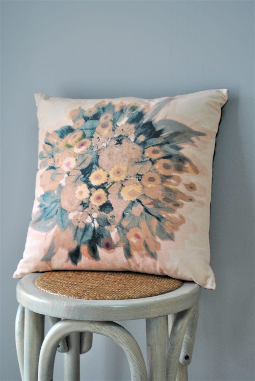 velvet-tapestry-bunch-cushion