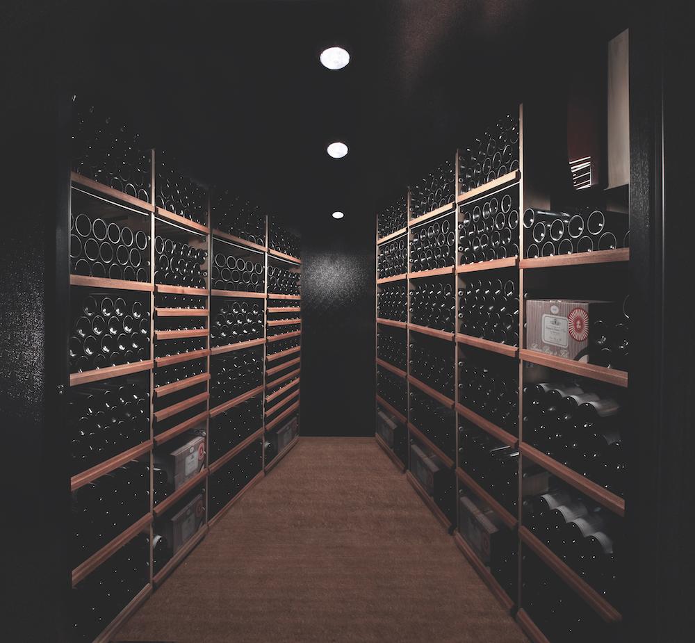 es_vintec_walk-in-wine-cellar