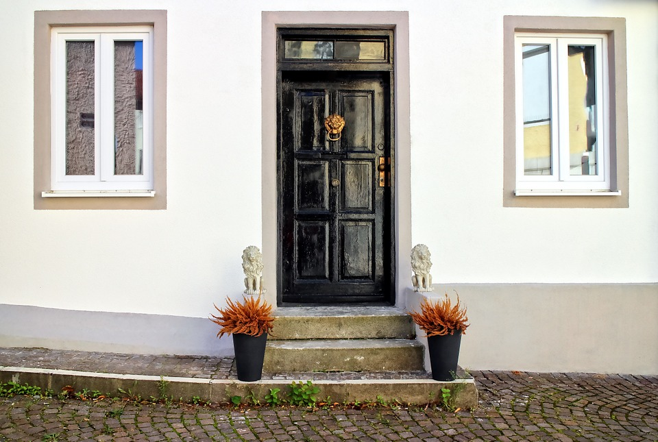 How To Make Your Front Door Functional And Attractive