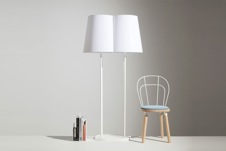 nuptial-floorlamp-alfred-mag-par-chair-white-lr