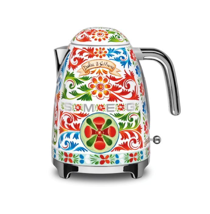 smeg-love-kettle